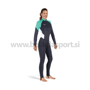TRILASTIC STEAMER she dives